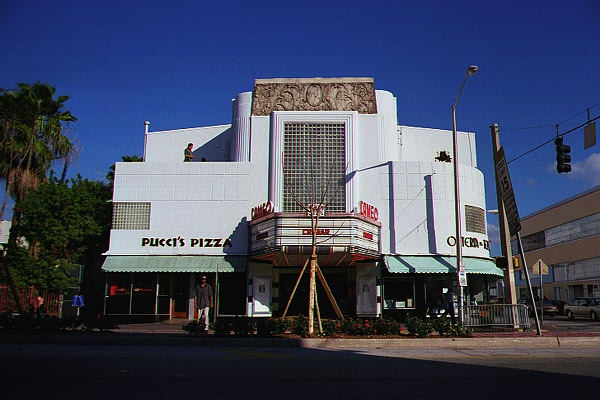 Cameo Theatre - © 2000 Jimmy Rocker Photography