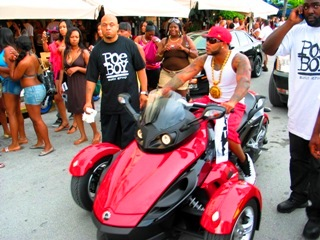 Miami Rapper with Bodyguards - © 2009 Jimmy Rocker Photography