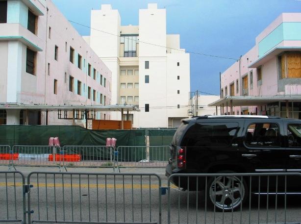 Miami Beach Abandoned Buildings - © 2oo9 JiMmY RocKeR PhoToGRaPhY