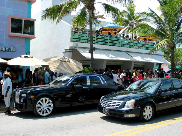South Beach Luxury Cars - © 2oo9 JiMmY RocKeR PhoToGRaPhY